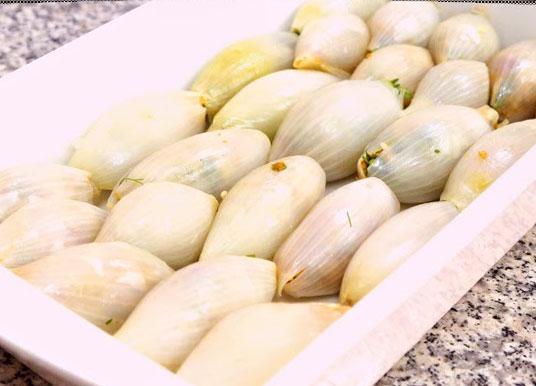وضع البصل بالصينية