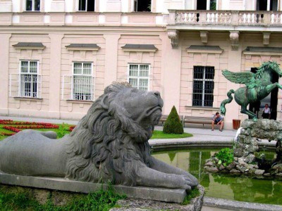 ديقة ميرابيل السياحية في سالزبورج mirabell.gardens2.jpg