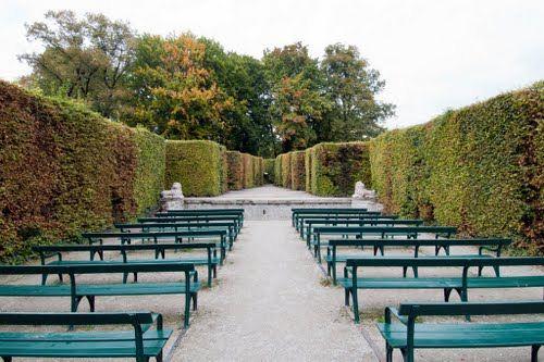 ديقة ميرابيل السياحية في سالزبورج mirabell.gardens4.jpg