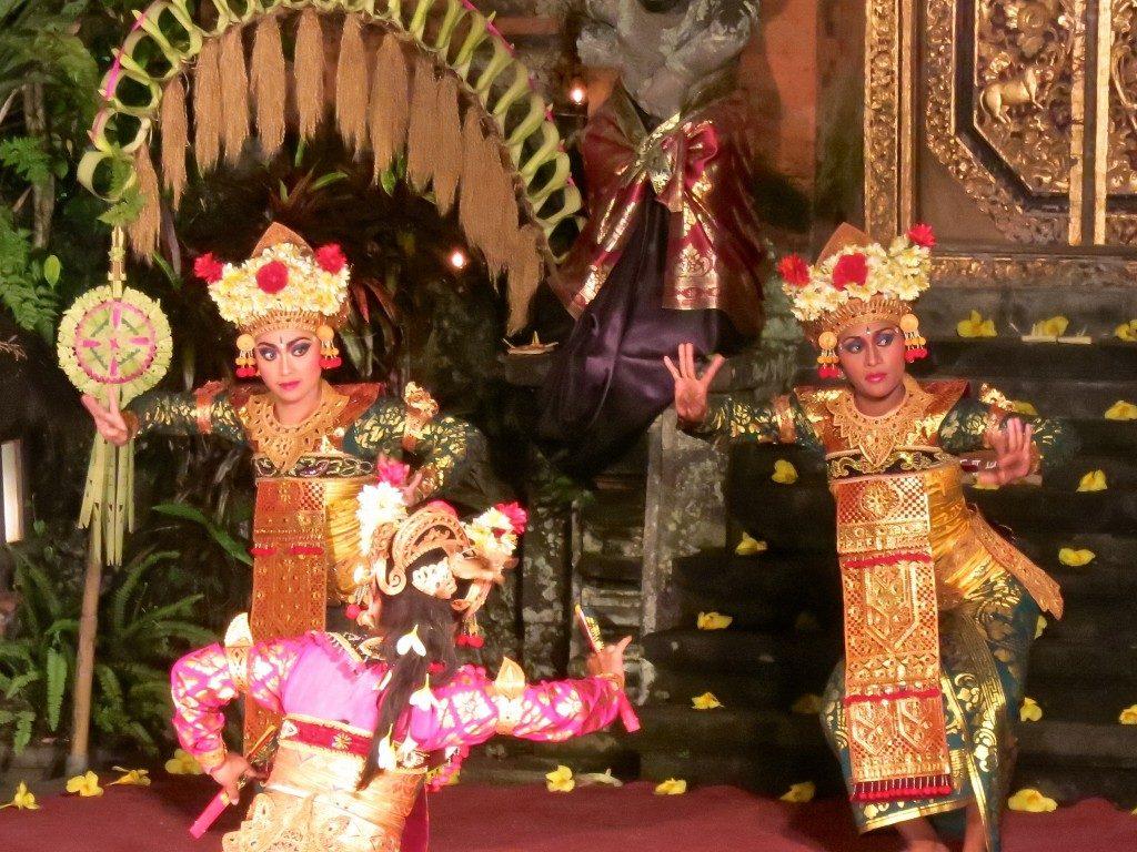 الرقص الاندونيسي في بالي