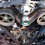علامات تشير الى قطع أو تلف في سير التايمن في السيارة