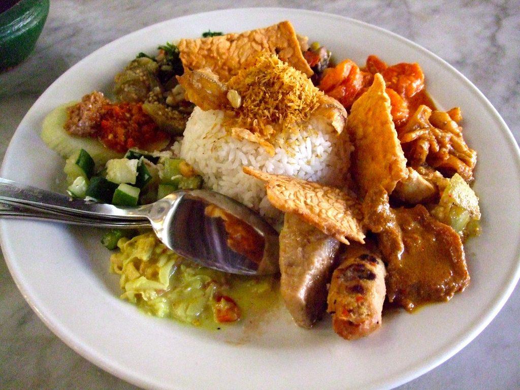 مطعم Made's Warung