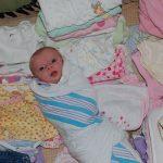 كيف تختارين ملابس طفلك الرضيع