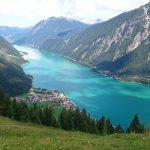 بحيرة آكينسي في النمسا
