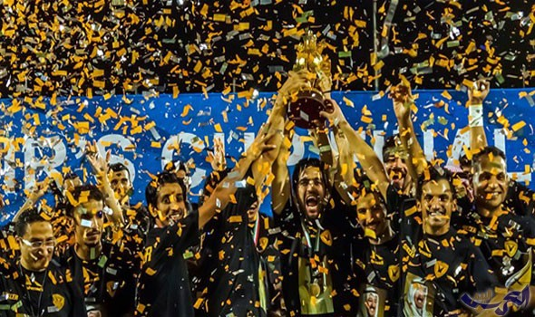 لاعبي القادسية بعد الفوز بأحد البطولات حيث يعتبر القادسية الأكثر فوزا بالدوري الكويتي