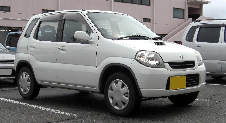 السيارة سوزوكي سويفت 2000