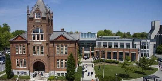 جامعة كوينز