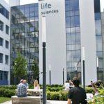 افضل جامعات علوم الحياة في العالم