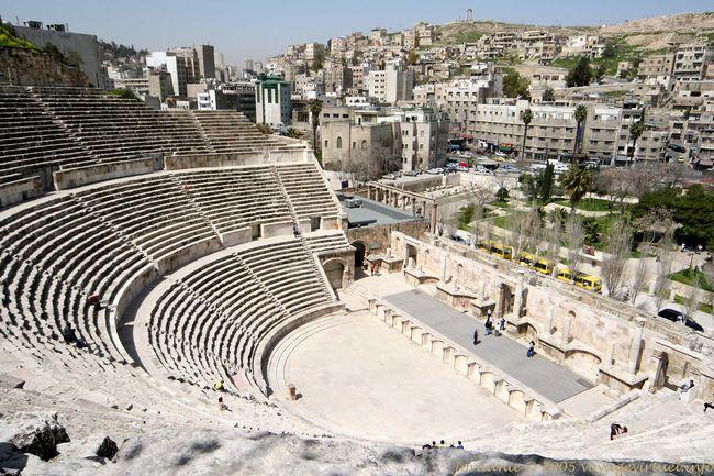 كولوزيوم تيزدروس الروماني.. مسرح موت صار حياة