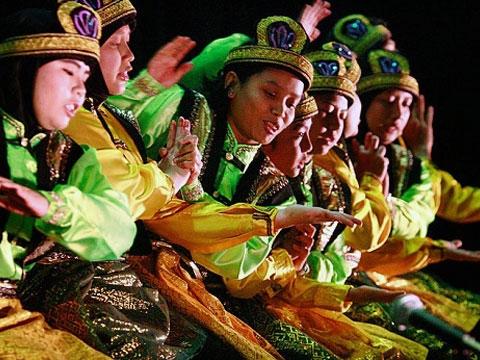المهرجانات الشعبية في بحيرة توبا