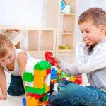 كيف تنمي ذكاء طفلك بسهولة