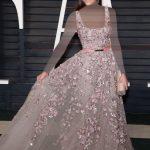 أزياء النجمة نينا دوبريف (Nina Dobrev)