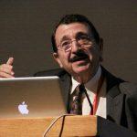 الكيميائي مصطفى السيد .. وتقنية علاج السرطان بالذهب