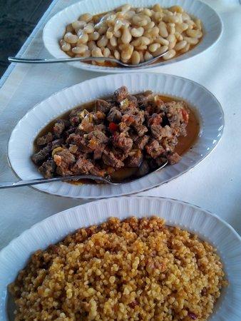 مطعم Aravan