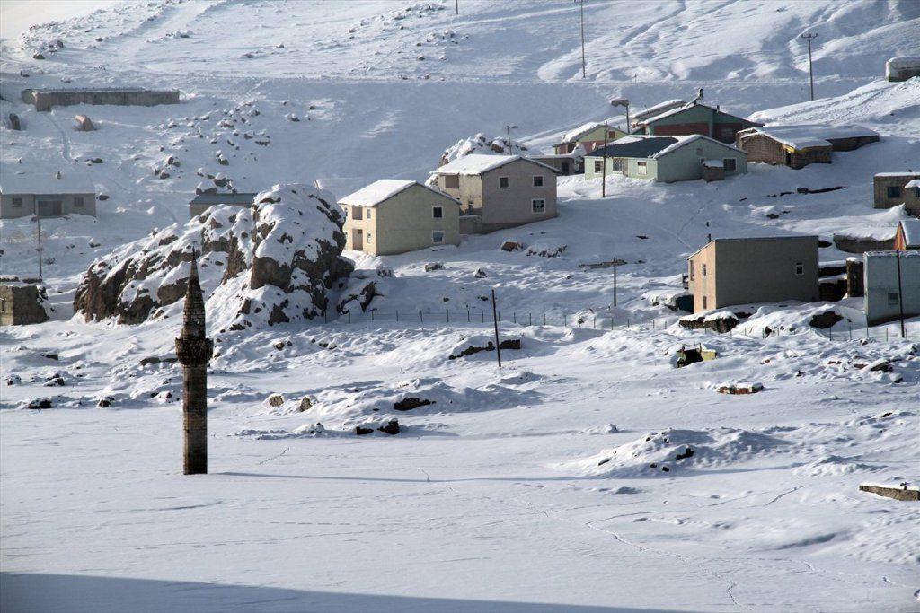منازل قرية مئذنة الثلج