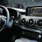 التصميم الداخلي للسيارة كيا ستينجر موديل 2018 الجديدة : - 435839