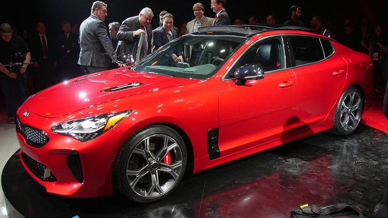 التصميم الخارجي للسيارة كيا ستينجر موديل 2018  الجديدة :