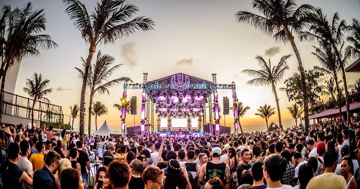 المهرجانات في جزيرة بالي