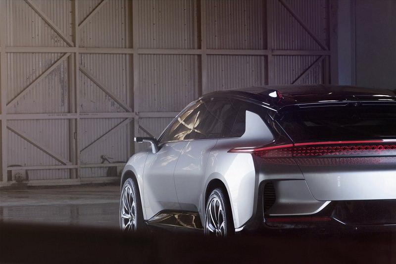 المواصفات الفنية للسيارة FF 91 الكهربائية الجديدة :