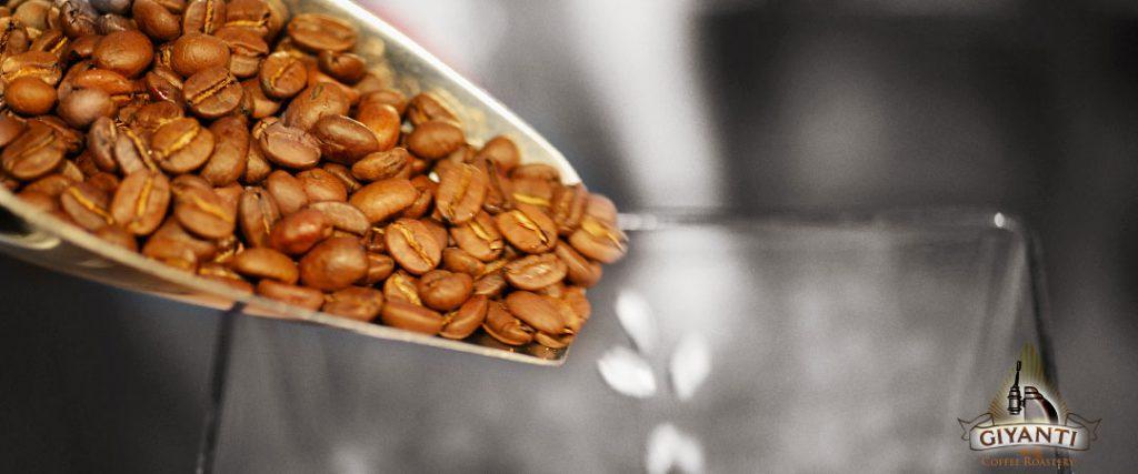 مقهى Giyanti Coffee Roastery