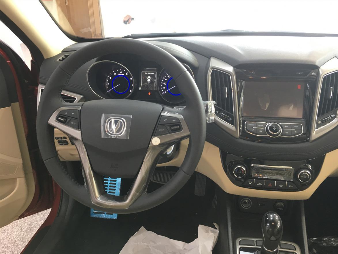 تصميم داخلي للسيارة شانجان ايدو 2017