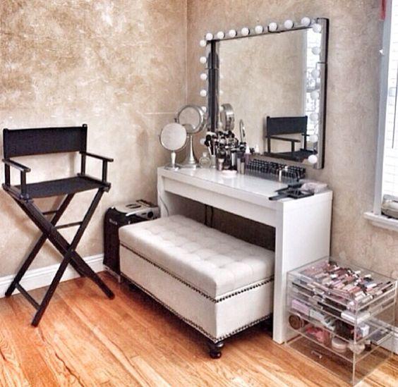 Bench Style 50 S Dressing Room Makeup ~ تسريحة المرسال