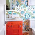 حمامات ملونة ذات أجواء مبهجة