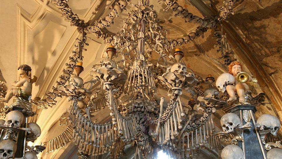كنيسة العظام البشرية