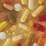 هل يمكن ان تساعد الفيتامينات في علاج الغازات و الانتفاخات