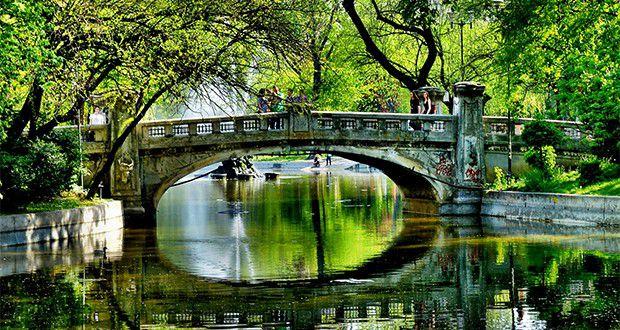 حديقة تشميجيو Cismigiu-Park.jpg