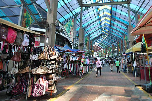 الاماكن السياحية في كوالالمبور السوق الصيني في كوالالمبور