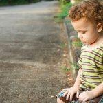 اكتئاب الاطفال واسبابه وكيفية علاجه