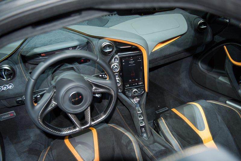 مواصفات السيارة الرياضية ماكلارين 720s