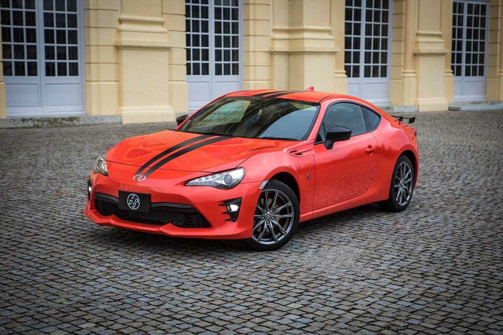 Toyota 860 Edition 2017