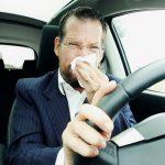 أسباب انتشار رائحة العادم بداخل السيارة وطرق التخلص منها