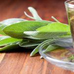 فوائد شاي المرمية لتخفيف من أعراض انقطاع الطمث