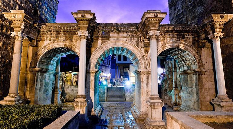 معالم المدينة القديمة كاليسي