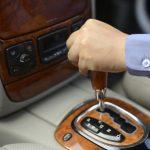 ممارسات يومية تؤدي إلى تدمير ناقل الحركة الاوتوماتيكي في السيارة