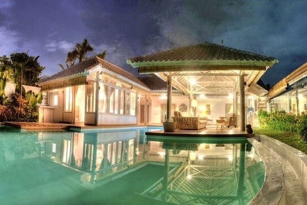 Cocowhite Villa
