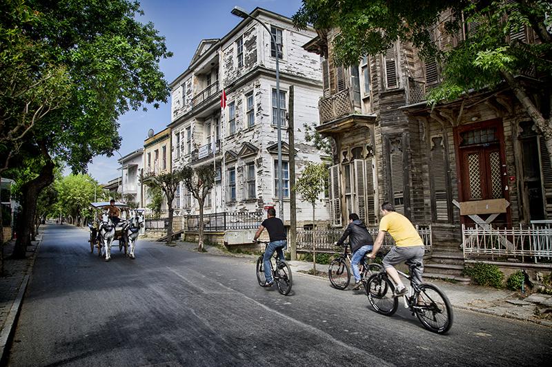 ركوب الدراجة في جزيرة Büyükada