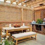 طاولة طعام خشب في الخارج - 495677