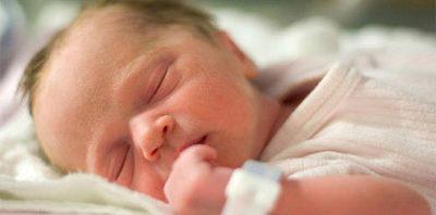 اجعلي رضيعك يفرق بين فترة نوم-الرضيع-