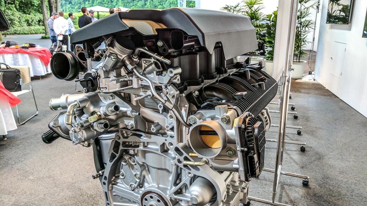 السيارة هوندا اكورد 2018 الشكل الجديد بمحرك سعة 2.0 لتر تيربو