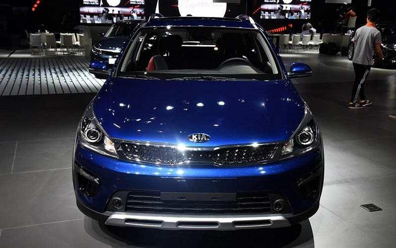 التصميم الشرس للسيارة الكروس اوفر كيا K2 Cross 2018
