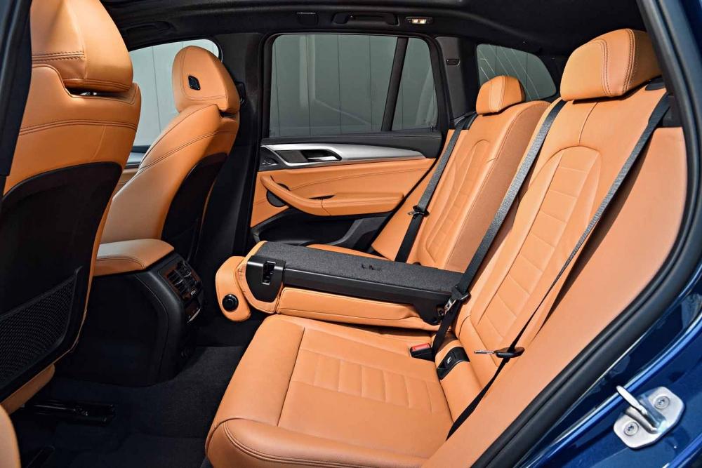 التصميم المميز لمقاعد السيارة بي ام دبليو X3 2018