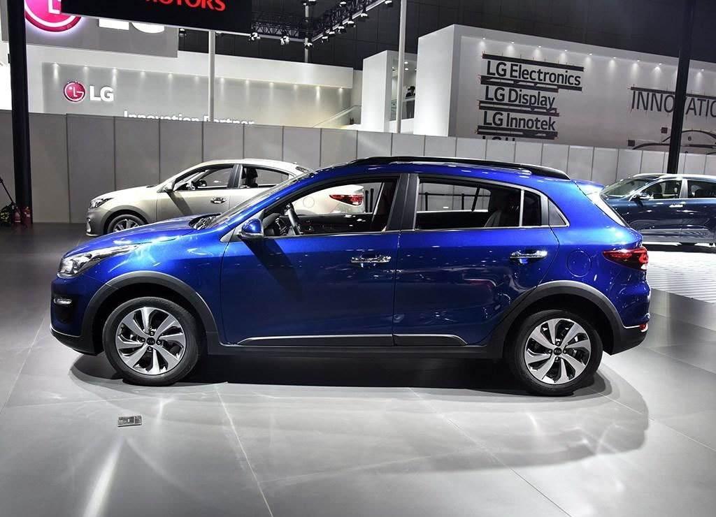 التصميم الانسيابي للسيارة الجديدة كيا K2 Cross 2018