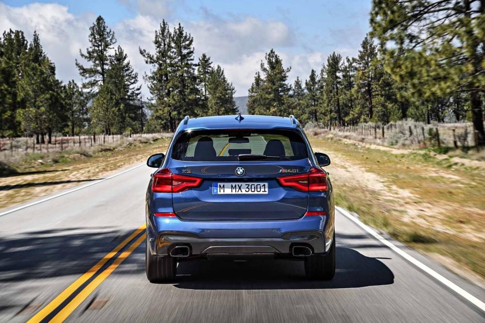 التصميم الخلفي الضخم للسيارة الجديدة بي ام دبليو X3 2018