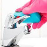 طريقة تنظيف بقع الماء العسر