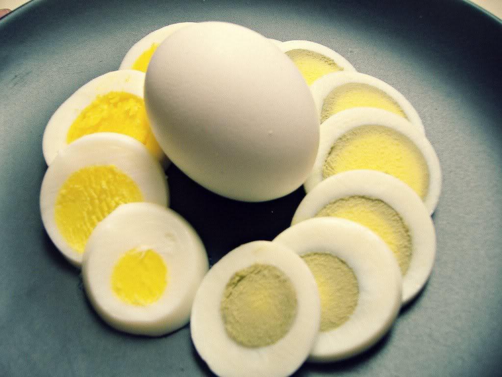 كم مدة سلق البيض المرسال