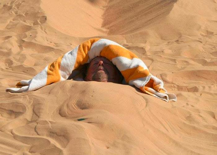 استخدام الرمل في علاج العديد من الأمراض | المرسال